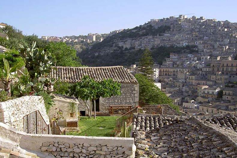 casa-talia-outside-view