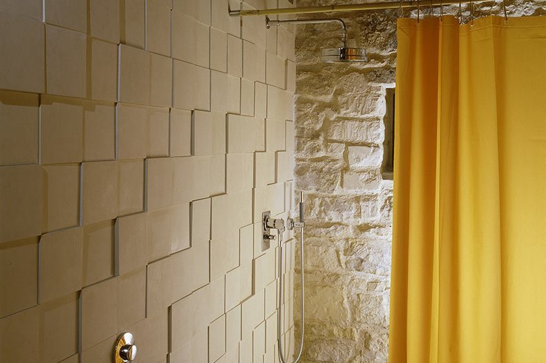 talia-bathroom