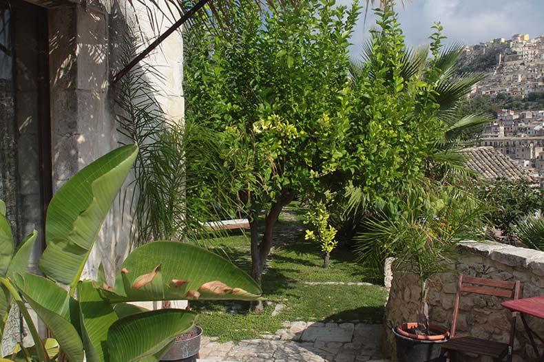 talia-scirocco-terrace