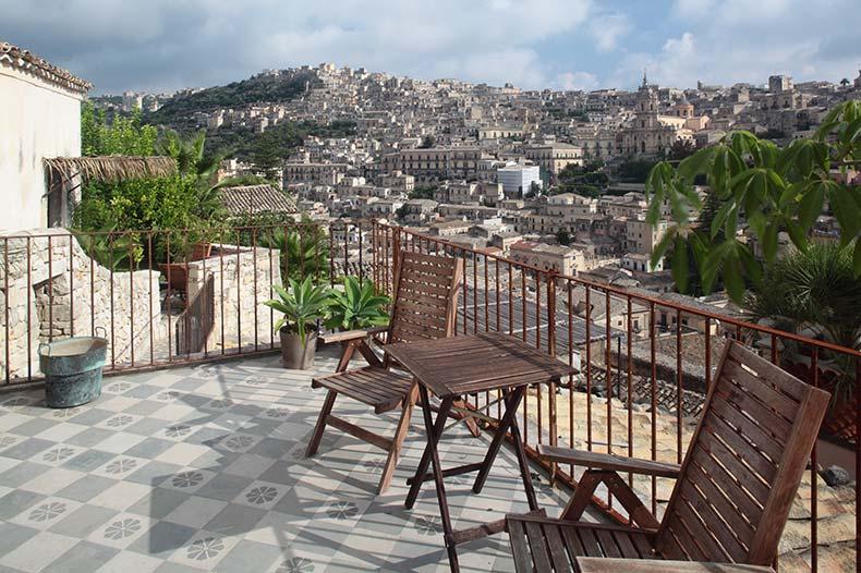 talia-sirah-terrace