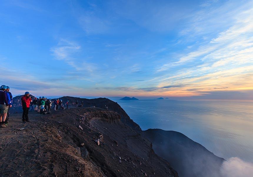 Volcano excursion on Salina island
