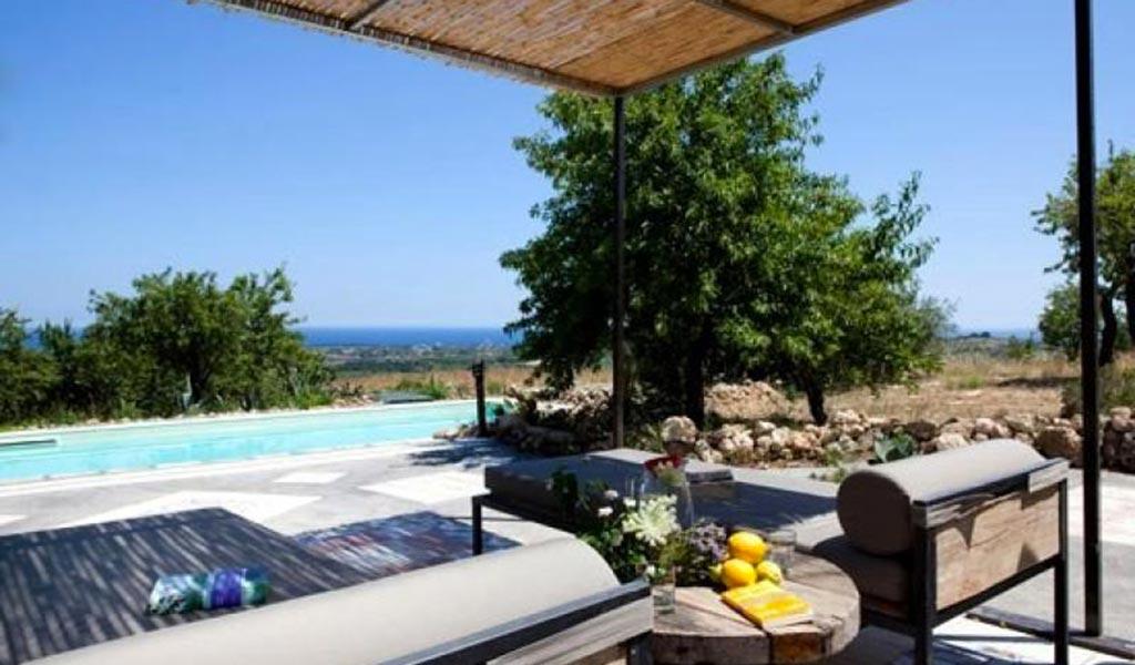 Villa Il Mandorlo poolterrace