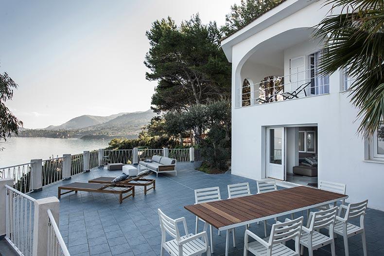 Casa Scoglio terrace