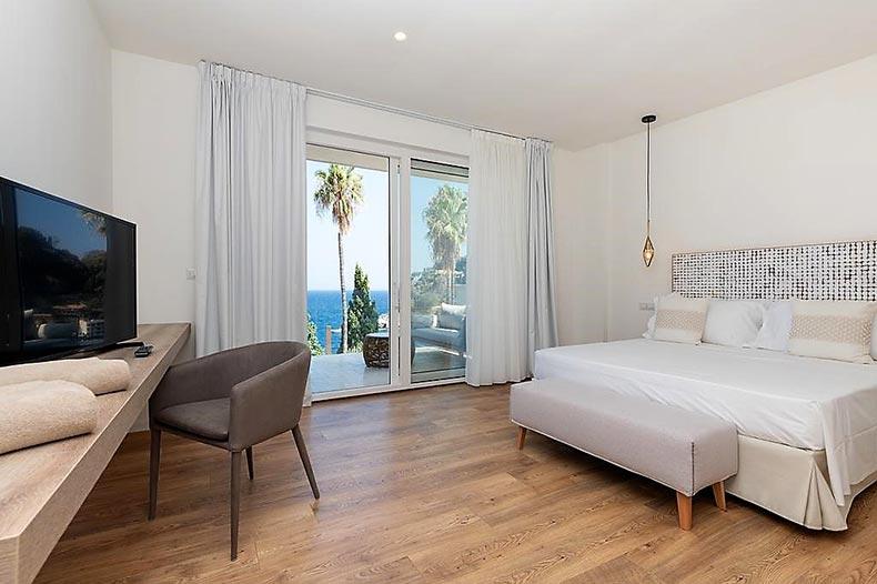 mazzaro-bedroom1
