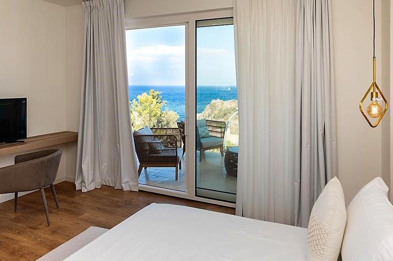 mazzaro-bedroom2