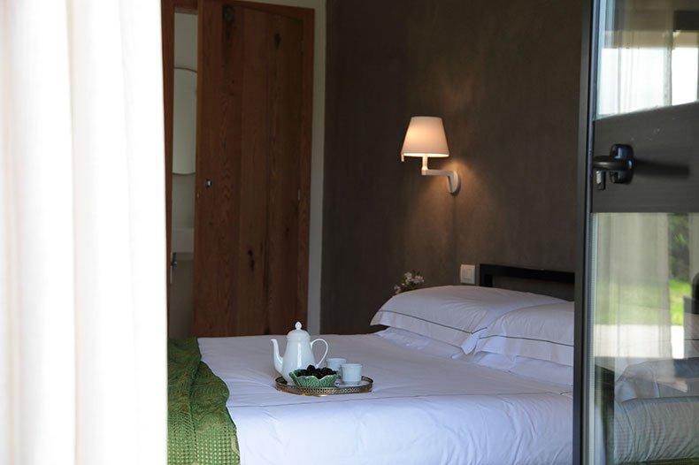 tale-bedroom4