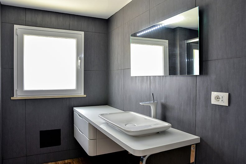 villa-al-faro-downstairs-bathroom
