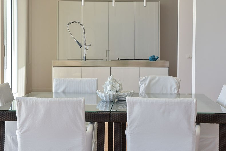 villa-al-faro-kitchen-dining