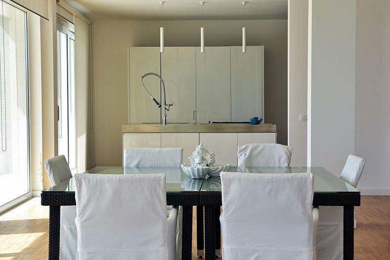 villa-al-faro-kitchen-dining2