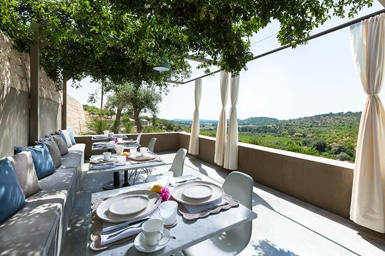 villadorata-palmento-terrace