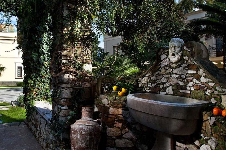 ashbee-garden2