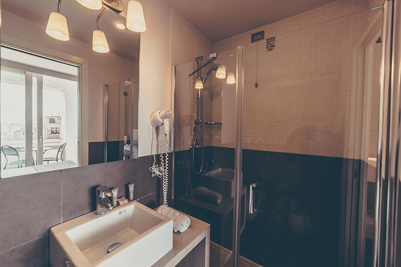 piccolo-giardino-bathroom-superior3